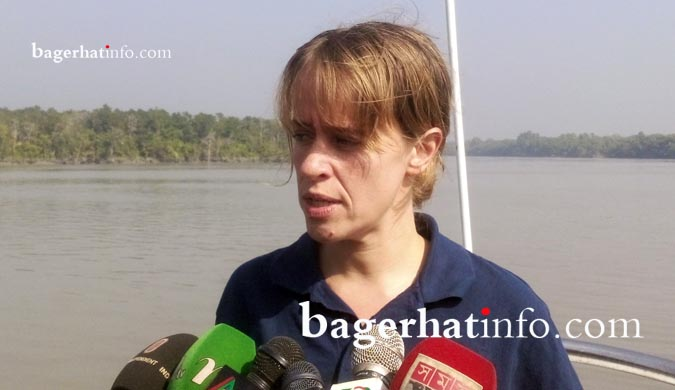 Emila-Walismit-UN-Oil-Spining-time-lider