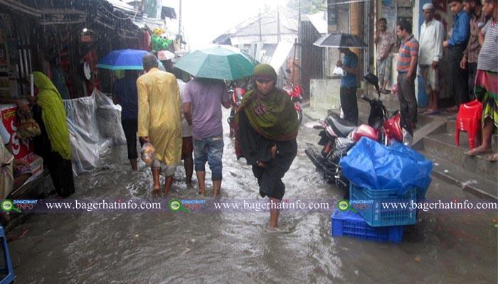 Bagerhat-Morrlgong-PaniBondi-Pic-1(26-06-2015)