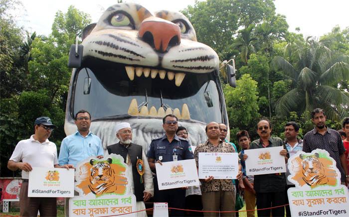 Bagerhat-Pic-05(12-03-2016)Tiger-Cravan